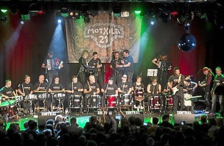 2015-12-12, Iruñea. Motxila 21ren kontzertua 12-12-2015, Pamplona, Concierto de Motxila 21